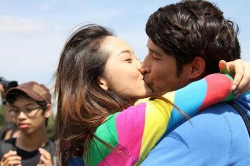 Những nụ hôn nóng bỏng của Minh Hằng trên màn ảnh - 10