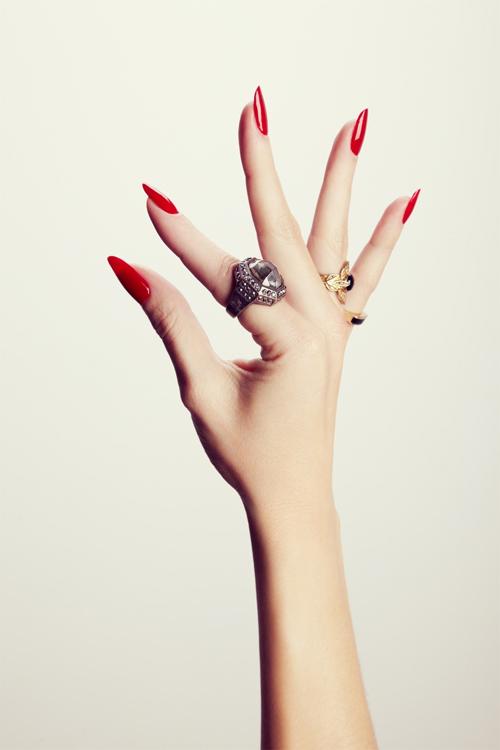Bí mật từ đôi tay bạc triệu của những người mẫu kỳ lạ - 5