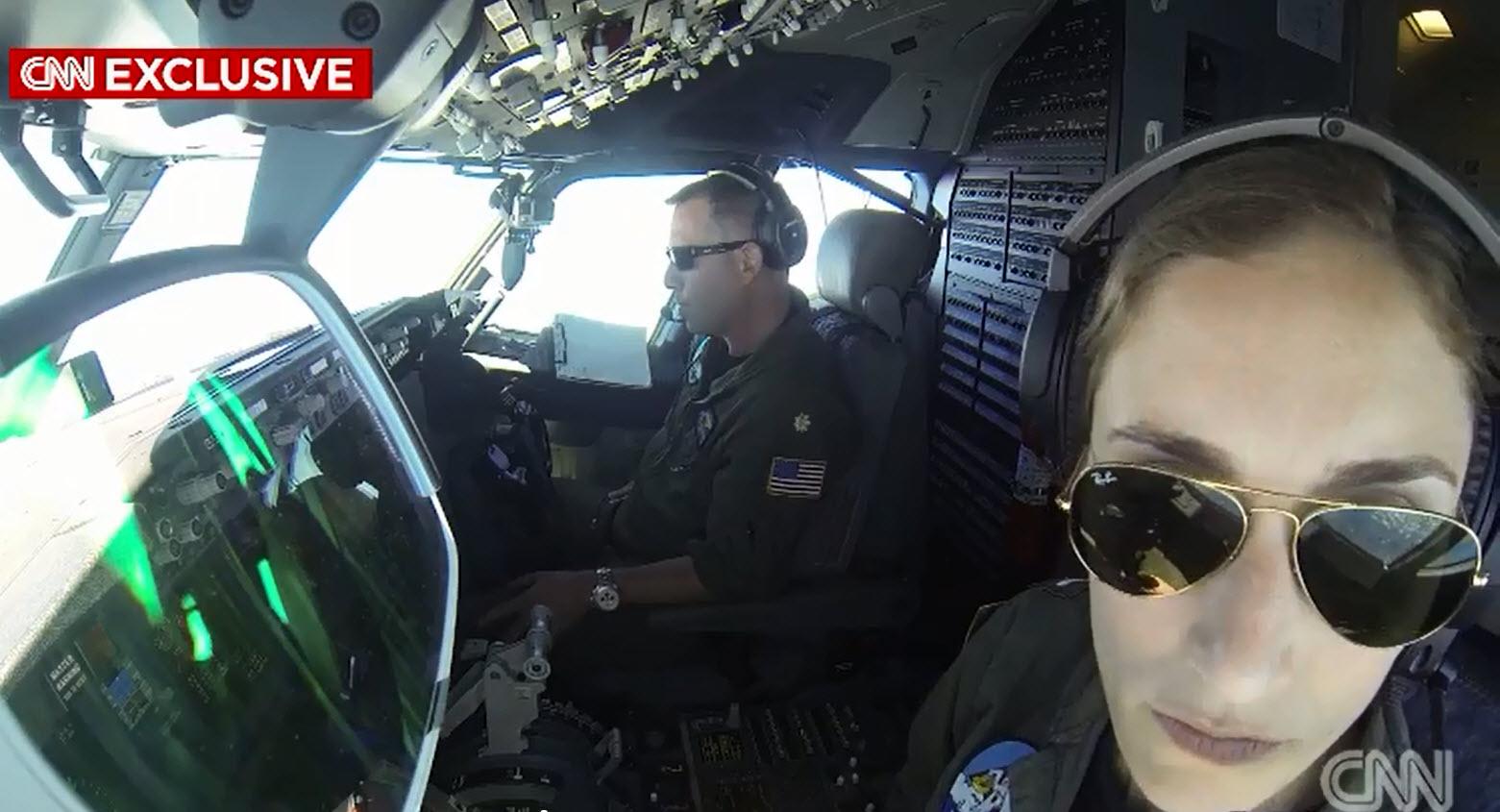 """Máy bay Mỹ bị TQ """"xua đuổi"""" trên Biển Đông - 2"""
