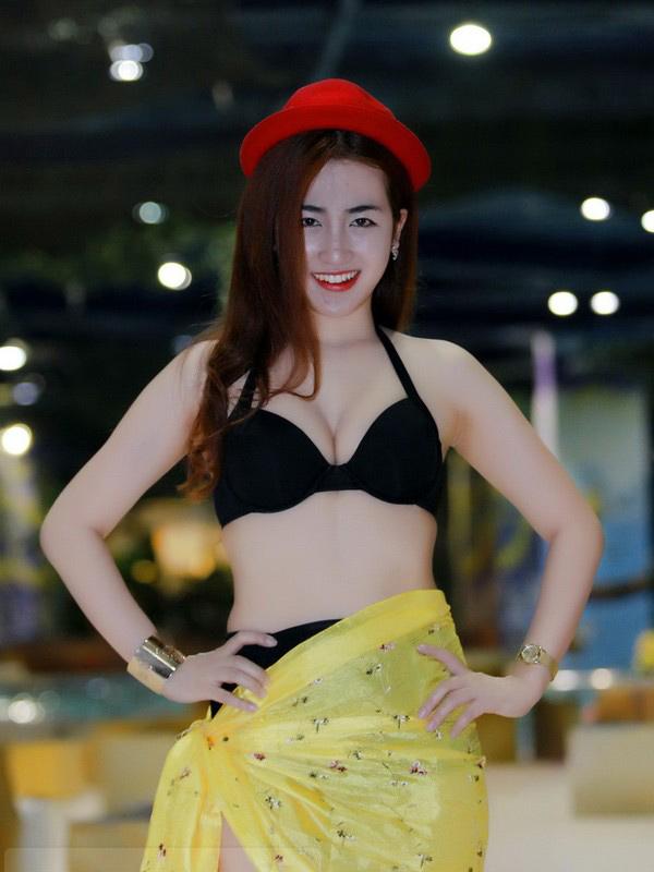 DJ Trang Moon: Đến hồ bơi chẳng nhẽ mặc sơ mi? - 2
