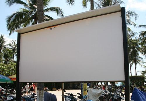 """Yêu cầu tháo dỡ biển """"cấm xâm phạm"""" bãi biển Nha Trang - 3"""