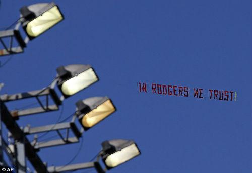 Muốn trụ lại Liverpool, 10 dấu hỏi lớn cho Rodgers - 2