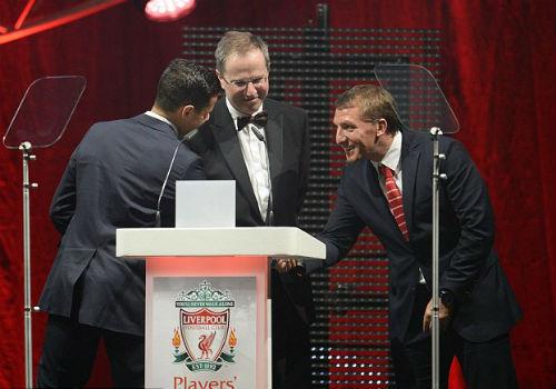 Muốn trụ lại Liverpool, 10 dấu hỏi lớn cho Rodgers - 1