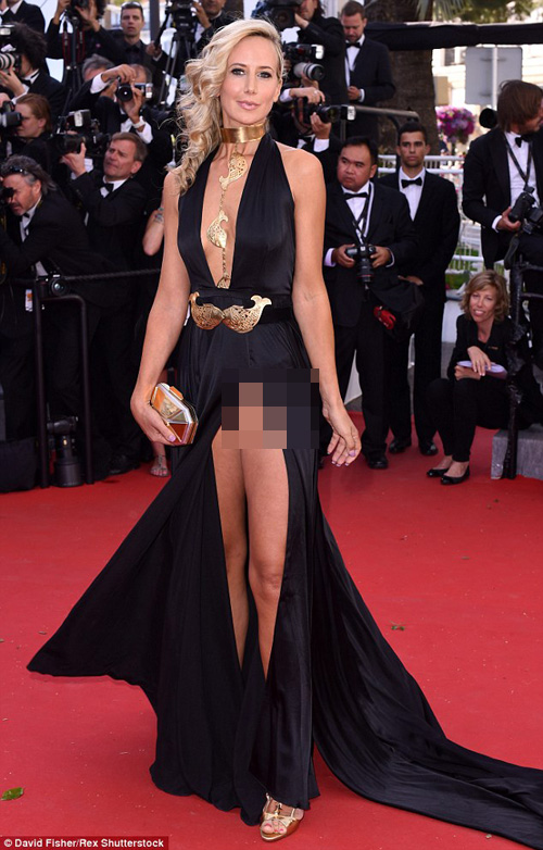 Sao nữ U40 bị gió thổi tung váy trên thảm đỏ Cannes - 3
