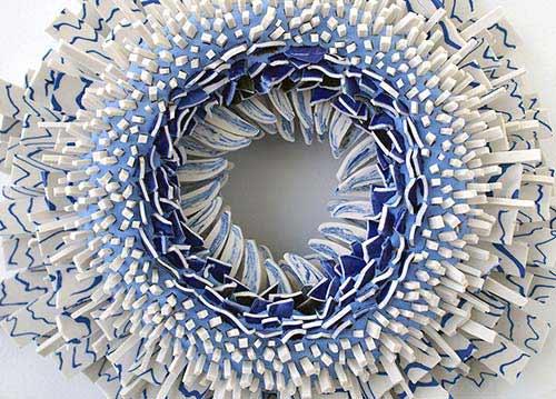 Bông hoa tuyệt đẹp làm từ 1.000 mảnh sứ - 4