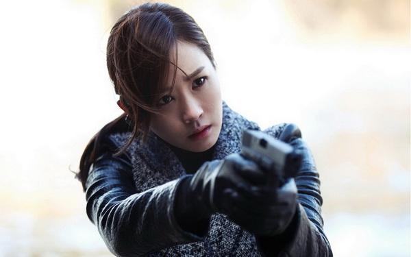 """Lee Da Hae """"lột xác"""" thành nữ chủ tịch sang chảnh - 4"""