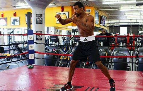 """Boxing: Anh thượng đài """"báo thù"""" cho em trai - 1"""