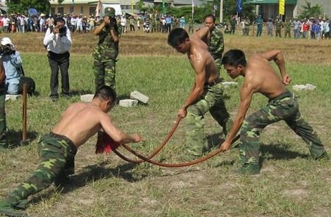 Xem màn võ thuật đầy uy dũng của bộ đội biên phòng - 3