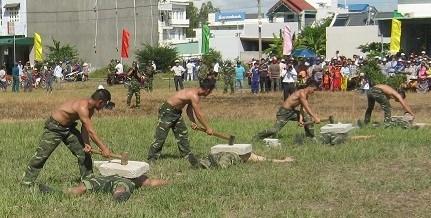 Xem màn võ thuật đầy uy dũng của bộ đội biên phòng - 4