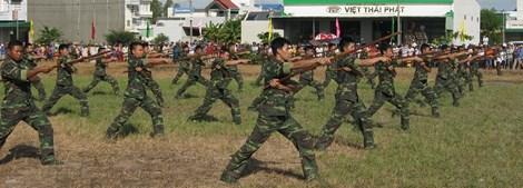 Xem màn võ thuật đầy uy dũng của bộ đội biên phòng - 1
