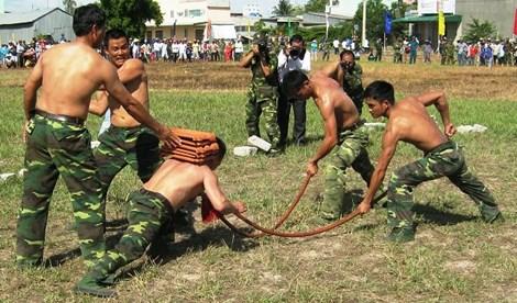 Xem màn võ thuật đầy uy dũng của bộ đội biên phòng - 6