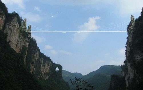 Cầu bằng kính dài và cao nhất thế giới ở Trung Quốc - 2