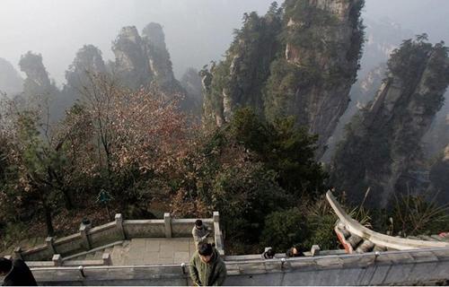 Cầu bằng kính dài và cao nhất thế giới ở Trung Quốc - 6