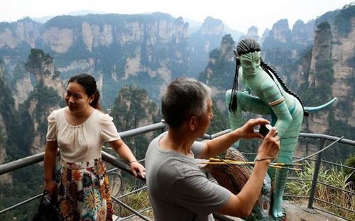 Cầu bằng kính dài và cao nhất thế giới ở Trung Quốc - 7