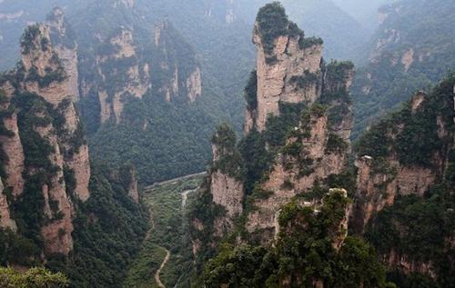 Cầu bằng kính dài và cao nhất thế giới ở Trung Quốc - 8