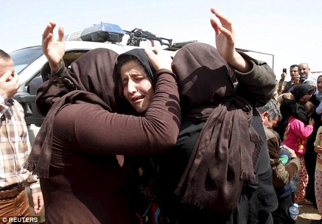 Hãi hùng màn lột trần thiếu nữ, kiểm tra trinh tiết của IS - 2