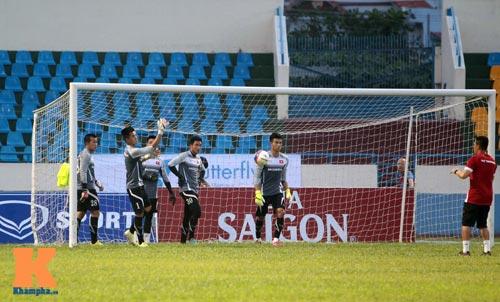 Công Phượng, Văn Toàn quyết ghi bàn vào lưới U23 Myanmar - 4