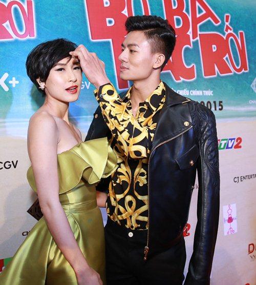 Bạn gái Huỳnh Anh khoe vai trần nuột nà - 8
