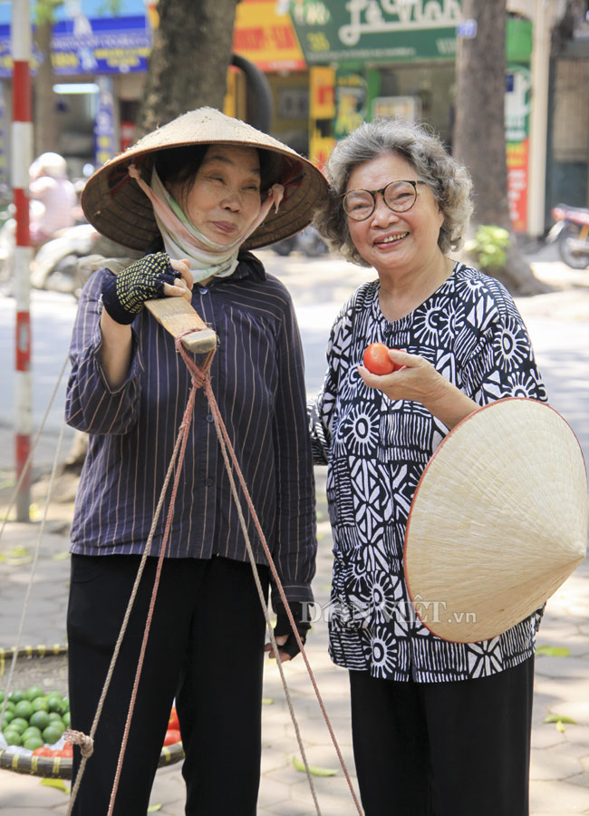 """""""Bà nội"""" của màn ảnh Việt 77 tuổi vẫn """"đắt sô"""" - 3"""