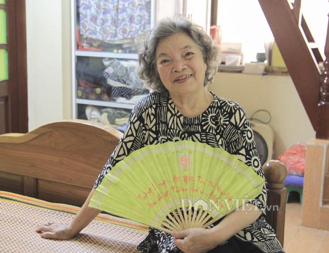"""""""Bà nội"""" của màn ảnh Việt 77 tuổi vẫn """"đắt sô"""" - 1"""