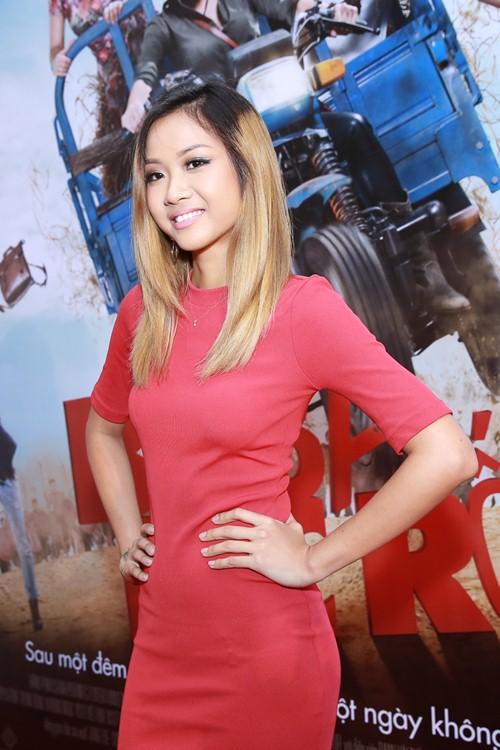 Trà Ngọc Hằng diện váy 3000 USD, gợi cảm bên Hiếu Nguyễn - 14