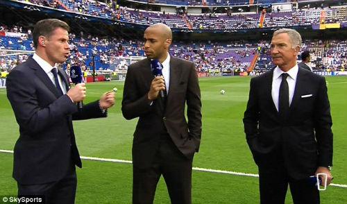 Bị Henry chê tơi tả, Giroud đáp trả nặng lời - 2