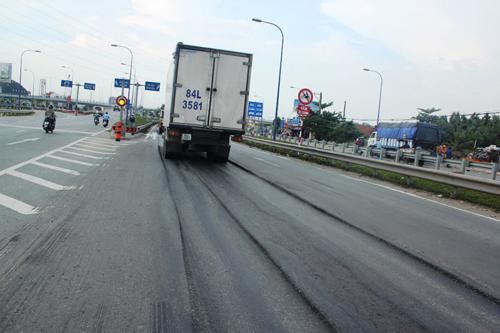 TPHCM: Đại lộ nghìn tỷ thành ruộng bậc thang, container gặp nạn - 5