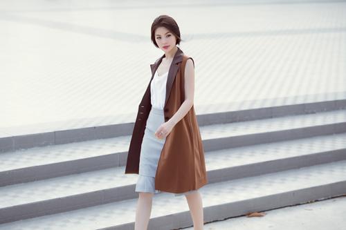 Á hậu Diễm Trang bất ngờ sexy với váy 2 dây - 8
