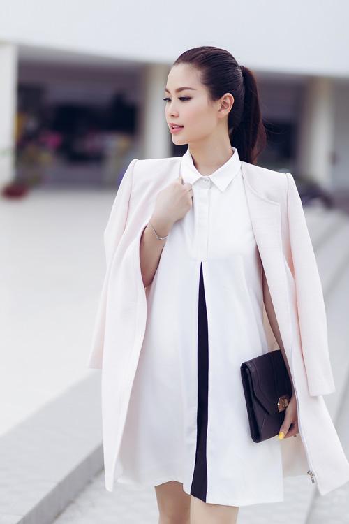 Á hậu Diễm Trang bất ngờ sexy với váy 2 dây - 10
