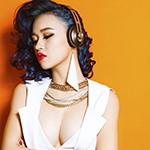 Thiếu nữ xinh đẹp bối rối dùng bao cao su - 2