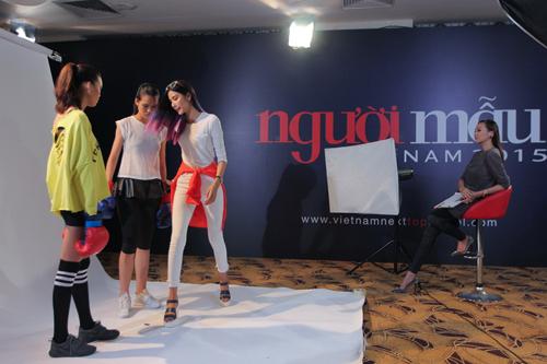 Thanh Hằng đi chân đất dạy thí sinh Top Model đấm bốc - 7