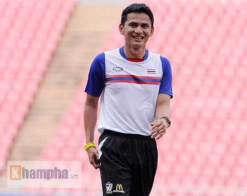 """Xem """"Messi Thái Lan"""" tập bắn chờ ĐT Việt Nam - 1"""