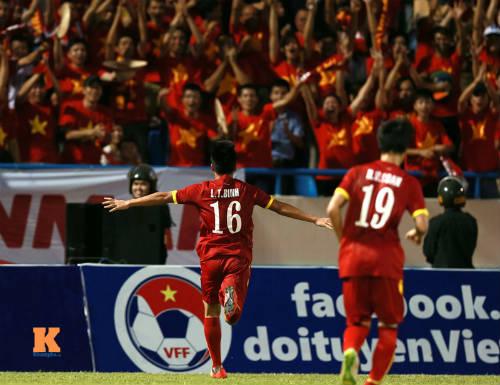 """CĐV Quảng Ninh """"cuồng nhiệt"""" cổ vũ U23 Việt Nam - 4"""