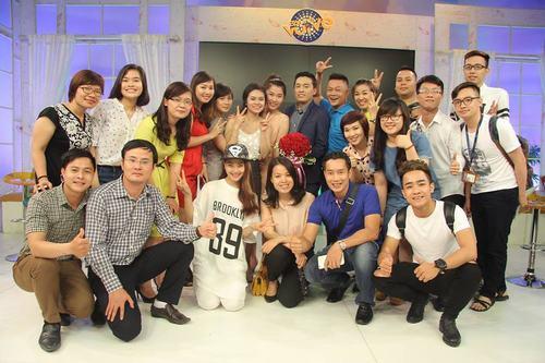 Lam Trường bồi hồi hát tặng cha trên sóng truyền hình - 1