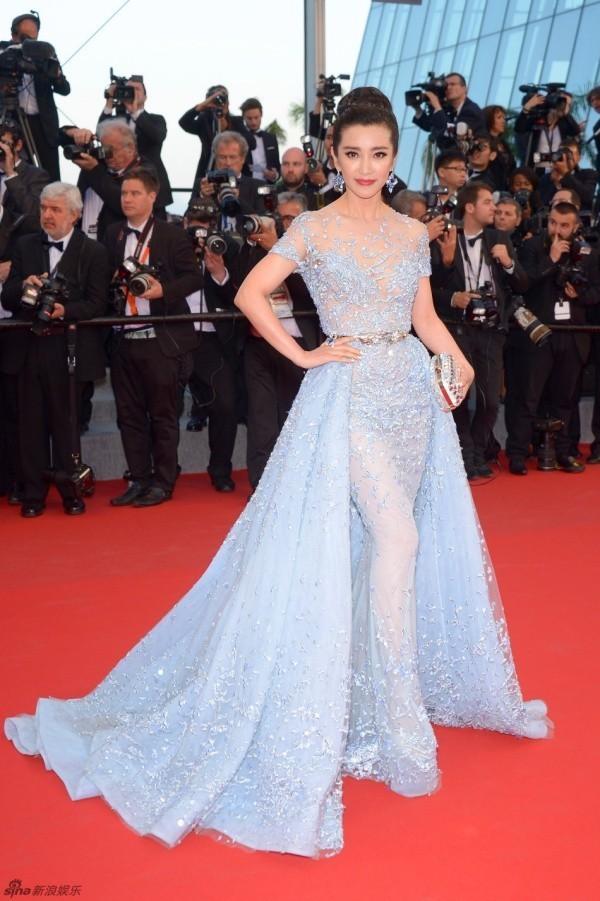 Hàng loạt mỹ nhân Á bị yêu cầu rời thảm đỏ Cannes - 2