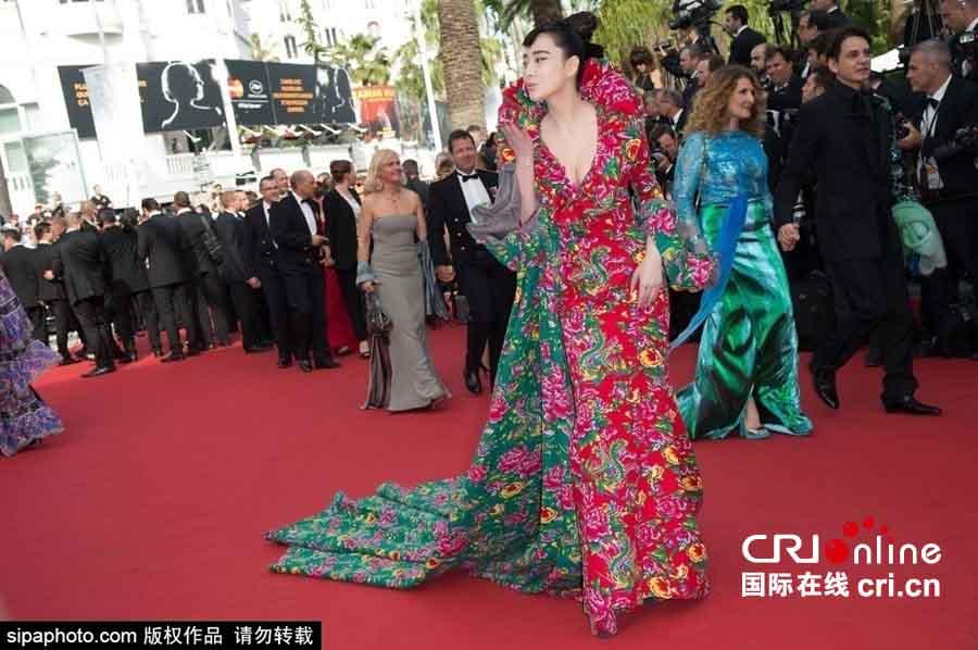 Hàng loạt mỹ nhân Á bị yêu cầu rời thảm đỏ Cannes - 4