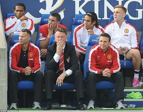 Rộ tin GĐĐH của MU gặp Mourinho bàn về Petr Cech - 2