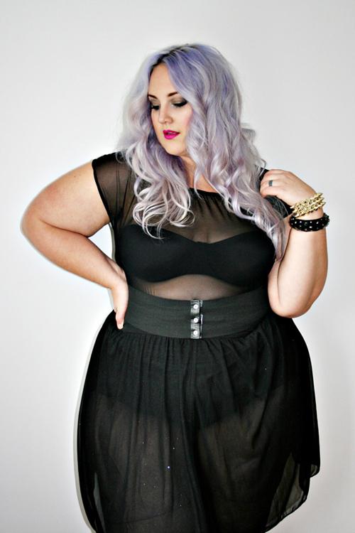 Nàng béo gây chú ý khi mặc nội y khoe body núng nính mỡ - 8