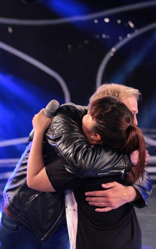 Cựu thành viên Boyzone khen ngợi hotboy VN Idol - 3
