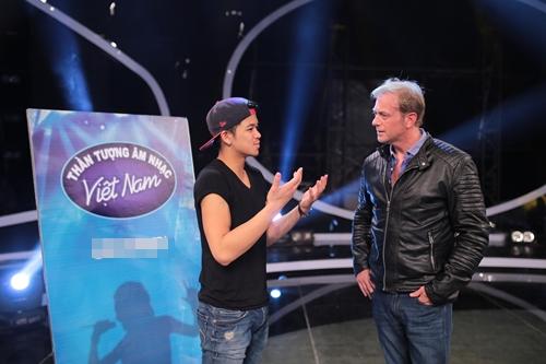 Cựu thành viên Boyzone khen ngợi hotboy VN Idol - 2