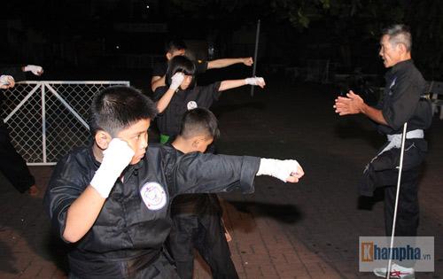 Võ sư một chân sáng bán báo, tối dạy võ ở Sài Gòn - 12