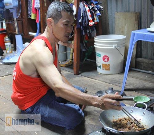 Võ sư một chân sáng bán báo, tối dạy võ ở Sài Gòn - 7