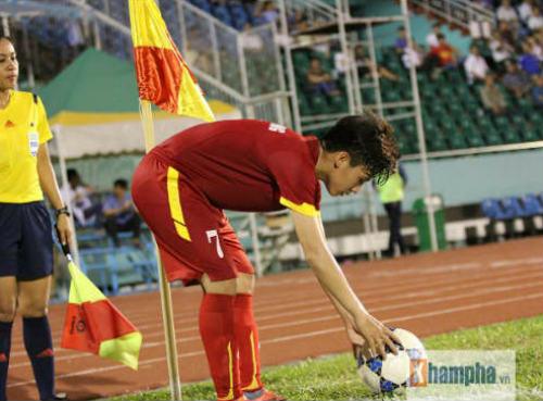 SAO Brazil đá phạt góc ghi bàn giống nữ tuyển thủ VN - 2