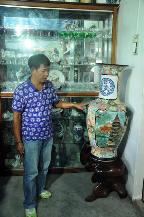 """""""Vua gốm sứ"""" ở Sài Gòn với 100.000 cổ vật - 4"""