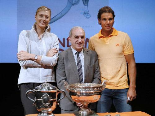 Tin HOT 23/5: Sharapova động viên tinh thần Nadal - 1