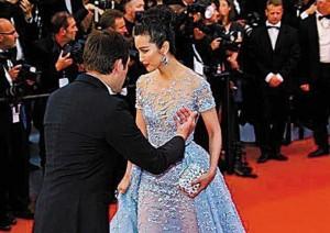Hàng loạt mỹ nhân Á bị yêu cầu rời thảm đỏ Cannes