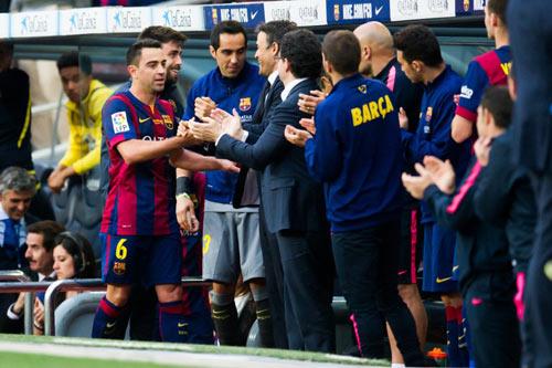 """Barca """"mở hội"""" nhận cúp, tri ân Xavi - 8"""