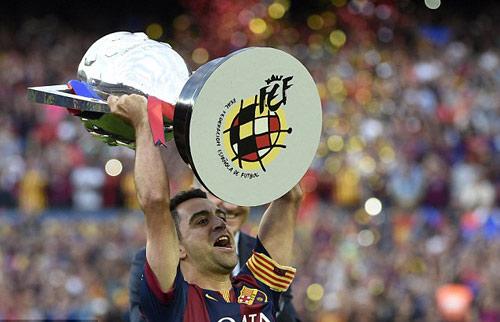 """Barca """"mở hội"""" nhận cúp, tri ân Xavi - 14"""