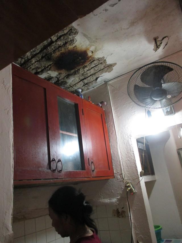 """Rùng mình những căn hộ """"hứng nước thải"""" ở Hà Nội - 2"""