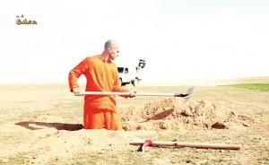 Video: IS buộc tù binh tự đào huyệt trước khi bị chặt đầu